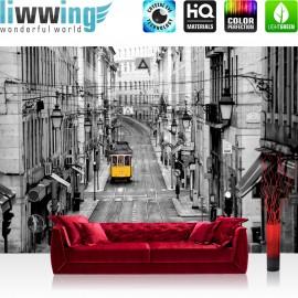 Vlies Fototapete no. 3286 | Stadt Tapete Straßenbahn, Altstadt, Gassen schwarz - weiß | liwwing (R)