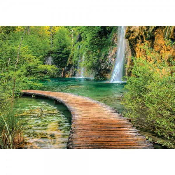 Fototapete Wasser Tapete Wasserfall Steg Weg See Bäume Felsen Gras grün | no. 2387